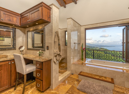 Master Bathroom, Left Wing of the House - Casa Big Sur (13/50)