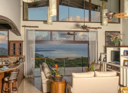 Living Room Overlooking the Balcony - Casa Big Sur (5/50)
