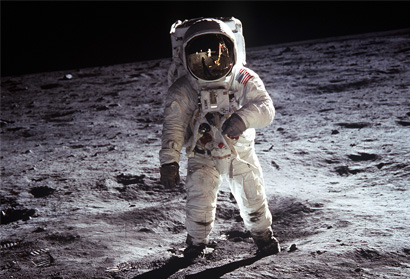 """Contact Light"" - A Tribute To MYOS Board Member, Dr. Buzz Aldrin"