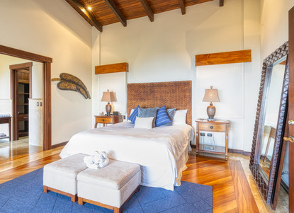 Master Bedroom, Right Wing of the House - Casa Big Sur (17/50)