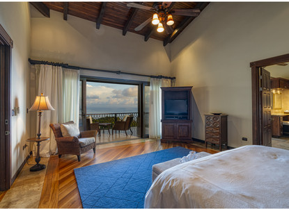 Master Bedroom, Right Wing of the House - Casa Big Sur (18/50)
