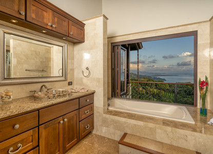 Master Bathroom, Right Wing of the House. Private Views.  - Casa Big Sur (20/50)
