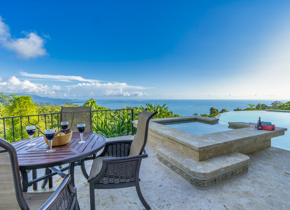 Jacuzzi Area overlooking the Infinity Pool and Pacific Ocean - Casa Big Sur (40/50)